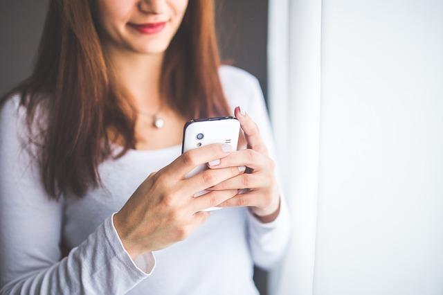 17 SMS à envoyer dès maintenant à un ami qui s'isole
