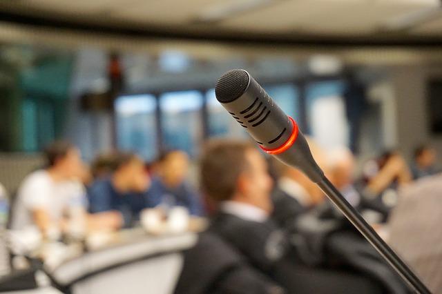 Comment vaincre la peur de parler en public ?